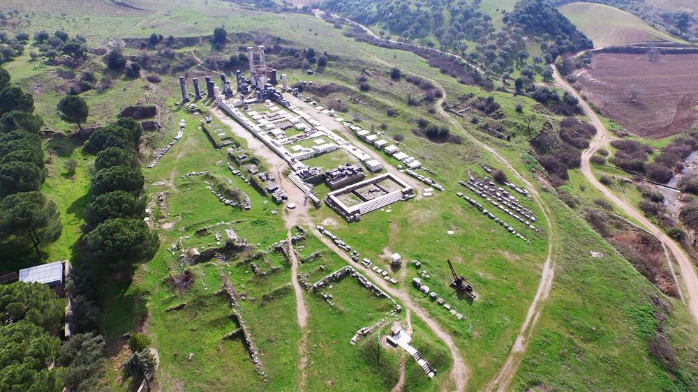 Sardes Antik Kenti Artemis (Kopyala).JPG